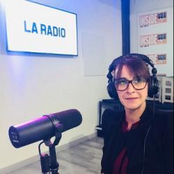 INTERVIEW de Claudine de la boutique Les Petits Trésors , &agrave Pau, dans les studios de Radio Ins