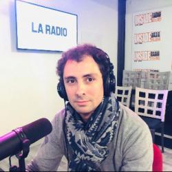 INTERVIEW de Christophe Bellocq, gérant du magasin Autour de Bébé &agrave Lescar, dans les studios d